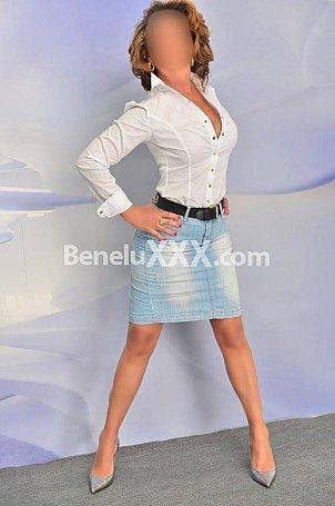 Maitresse Chloe Dominatrice Bruxelles - Belgique services de domination